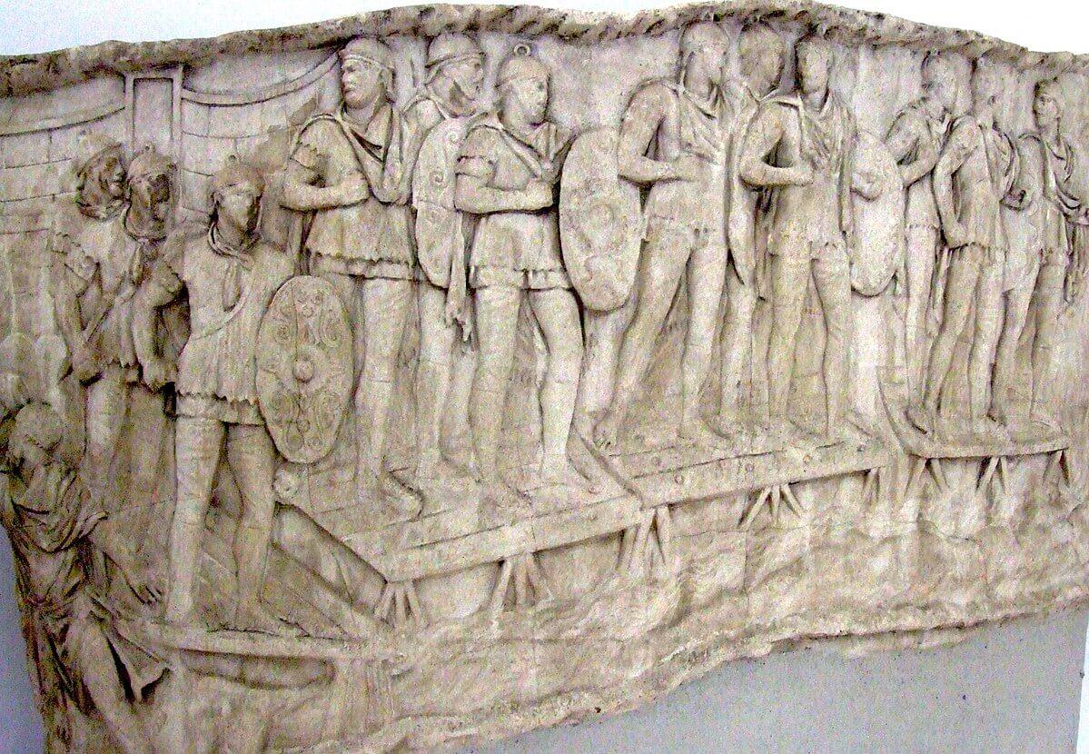 Infantería auxiliar romana cruzando un río.