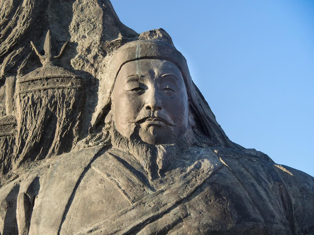 Kublai Khan (1215 - 1294 d.C)