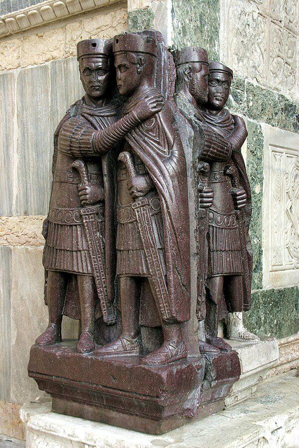Los Tetrarcas, escultura en pórfido saqueada del Gran Palacio de Constantinopla en 1204.