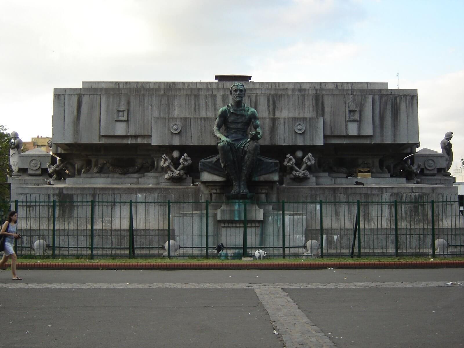 Mausoleo dedicado a Bernardino Rivadavia, Buenos Aires