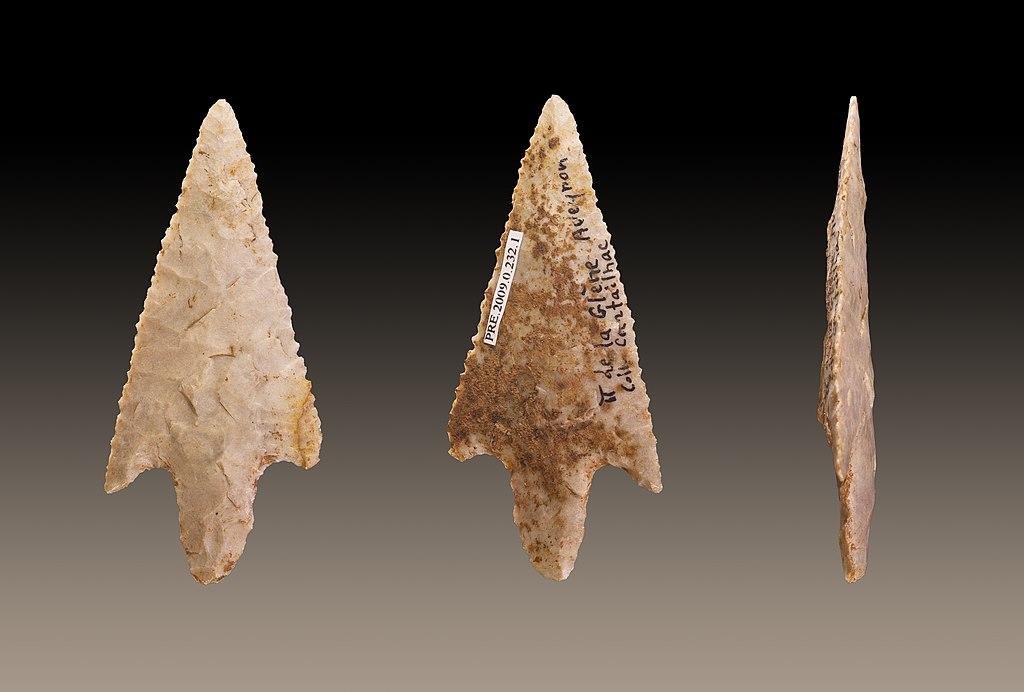 Punta de flecha de sílex del Neolítico.