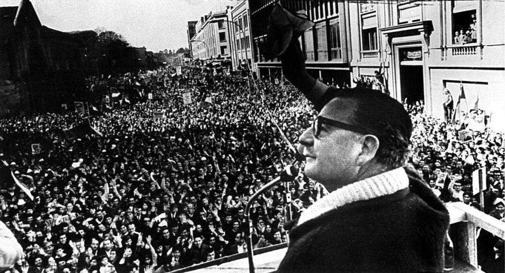 Allende ante una multitud, 1971.